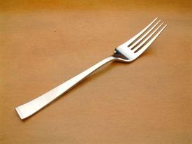 new_charm_stainless_flatware_by_wallace.jpg