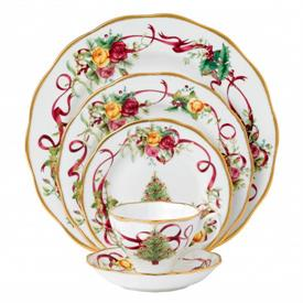 old_country_roses_christmas_tree_china_dinnerware_by_royal_albert.jpeg