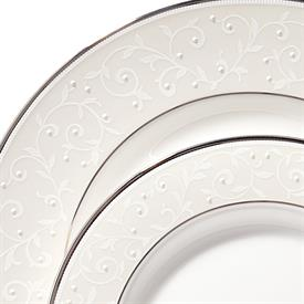 opal_innocence___lenox_china_dinnerware_by_lenox.jpeg