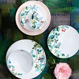 organza_jardin_china_dinnerware_by_bernardaud.jpeg