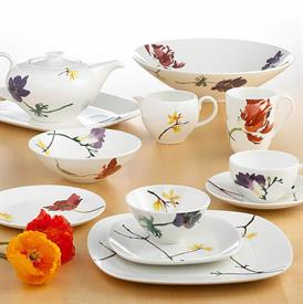 painted_garden_floral_china_dinnerware_by_wedgwood.jpeg