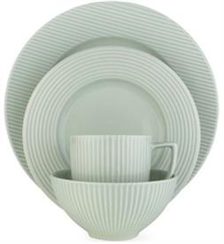 parallax_green_china_dinnerware_by_dansk.jpeg