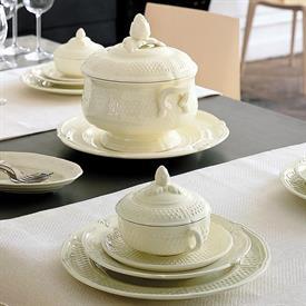 pont_aux_choux_cream_china_dinnerware_by_gien.jpeg