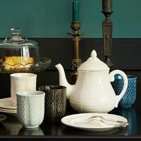 pont_aux_choux_tea_china_dinnerware_by_gien.jpeg