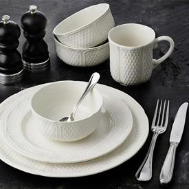 pont_aux_choux_white_china_dinnerware_by_gien.jpeg