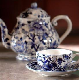prestige__pivoines_bleues_china_dinnerware_by_gien.jpeg