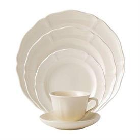 queen's_plain_wedgwood_china_dinnerware_by_wedgwood.jpg