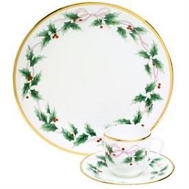 ribbon_holly_china_china_dinnerware_by_mikasa.jpeg