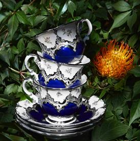Picture of ROYAL BLUE PLATINUM WITH STREWN ROSES by MEISSEN