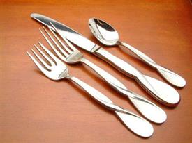 satin_aquarius_stainless_flatware_by_oneida.jpg