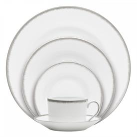 silver_aster_china_dinnerware_by_wedgwood.jpeg