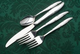 silver_flowers_plated_flatware_by_oneida.jpeg