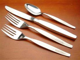 silver_sands_plated_flatware_by_oneida.jpg