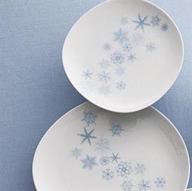 snowflake_mottahedeh_china_dinnerware_by_mottahedeh.jpeg