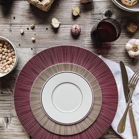 sol_couleur_china_dinnerware_by_bernardaud.jpeg