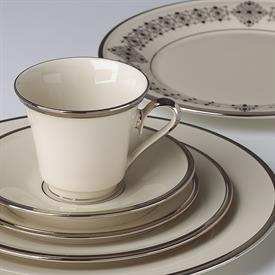 solitaire_china_dinnerware_by_lenox.jpeg