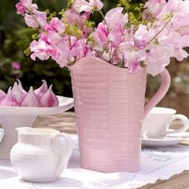 sophie_conran_pink_heart_china_dinnerware_by_portmeirion.jpeg