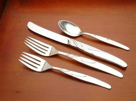 southwind_sterling_silverware_by_towle.jpg
