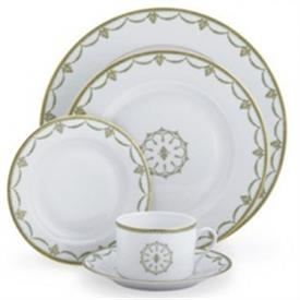 sully_green_china_dinnerware_by_philipp_deshoulieres.jpg