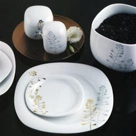 suomi_celebration_china_dinnerware_by_rosenthal.jpeg