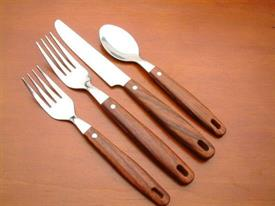 teak_faux_wood_stainless_flatware_by_oneida.jpg
