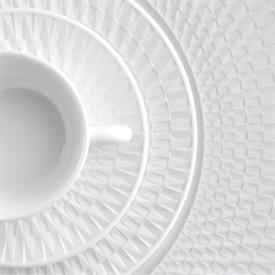 twist_white_china_dinnerware_by_bernardaud.jpeg