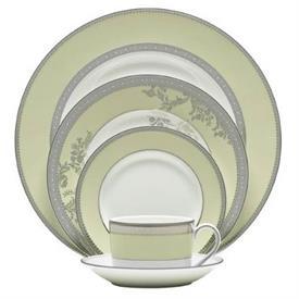 vera_lace_bouquet_fern_china_dinnerware_by_vera_wang_wedgwood.jpeg