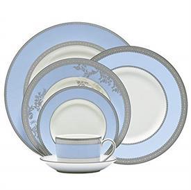 vera_lace_bouquet_iris_china_dinnerware_by_vera_wang_wedgwood.jpeg