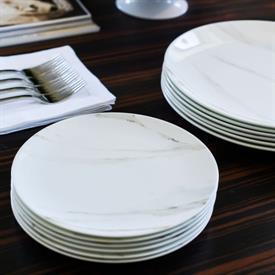 vera_venato_imperial_china_dinnerware_by_vera_wang_wedgwood.jpeg