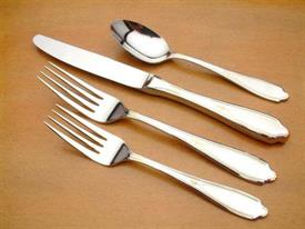 victoria_gold_accents_stainless_flatware_by_yamazaki.jpg