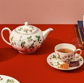wild_strawberry_china_dinnerware_by_wedgwood.jpeg
