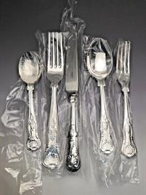 ,5 PIECE PLACE SETTINGS NEW