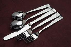 ,5PC PLACE SETTING, new from display, no box