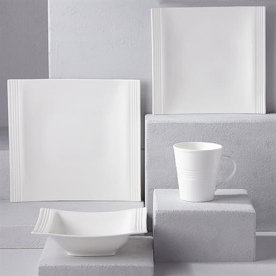 SQUARE 4 PIECE PLACE SETTING. MSRP $129.00