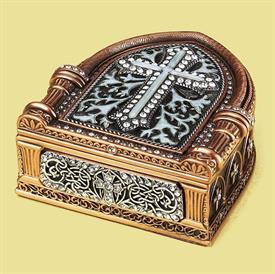 "-,7810/7 FOREVER YOURS MEMENTO BOX. 5.25"" LONG, 3"" WIDE, 1.25"" TALL. PEARL & MUSEUM GOLD PLATE FINISH"