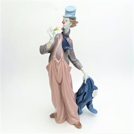 ",6507 'A MILE OF STYLE' CLOWN FIGURINE. 13.75"" TALL, 6"" WIDE, 5"" LONG. COMES WITH ORIGINAL BOX."
