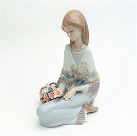 ",7607 'FLOWER SONG' GORL WITH FLOWERS 1988 COLLECTOR'S SOCIETY FIGURINE WITH ORIGINAL BOX. 7"" TALL, 4"" WIDE, 4.8"" LONG"