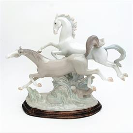 ",4655 'GALLOPING HORSES' FIGURINE WITH BASE. GLOSSY FINISH. 11.5"" TALL, 14.5"" LONG, 5"" WIDE"