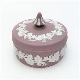 ",CREAM ON CELADON JASPERWARE SQUARE BOX WITH CHARIOT SCENE ON LID. 4"" WIDE, 2.2"" TALL"