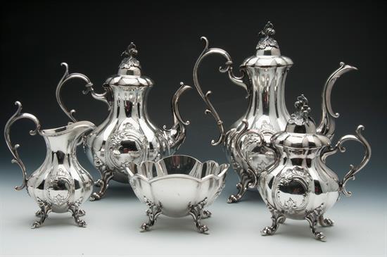Various WINTHROP SHIELD BY Reed & Barton 5 piece set including: Coffee Pot, Tea Pot, Sugar Bowl, Cream Pitcher & Waste Bowl