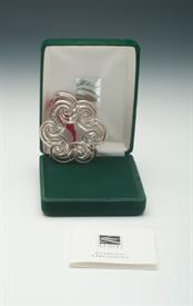 """,2001 CHRISTMAS WREATH WITH BOX AND COA. STERLING SILVER. 2.75"""""""