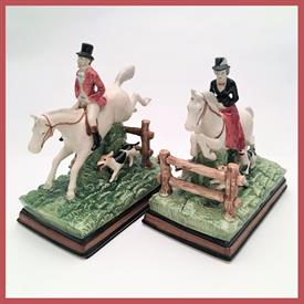 """,RARE PAIR OF FOX HUNT BOOKENDS. EQUESTRIAN SERIES. APPROX. 8"""" TALL & 7"""" BY 4"""" WIDE. DOGS ON MALE BOOKEND HAVE DAMAGE TO FEET."""