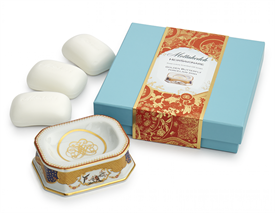 -HEIRSAVONARE SOAP GIFT SET. INCLUDES 3 BARS OF SOAP AND ONE DISH