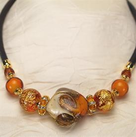 -,05322 CHIARA NECKLACE IN AMBER
