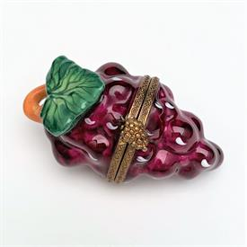 ",CHAMPAGNE BOTTLE IN COOLER WITH ICE TRINKET BOX. HAND PAINTED, SIGNED. 2.8"" TALL, 1.8"" WIDE"