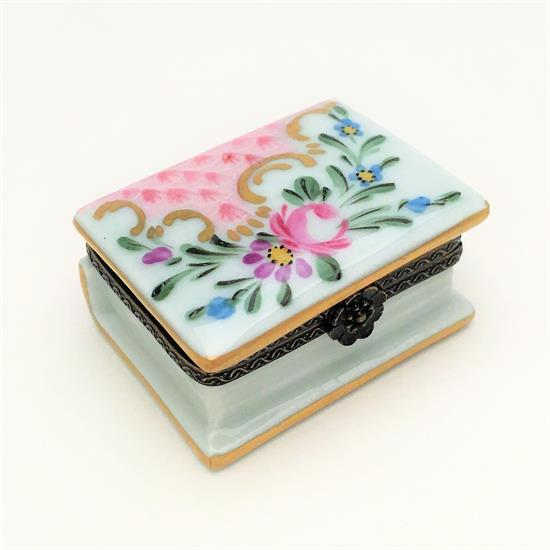 "Limoges ,VINTAGE PORCELAIN BOOK SHAPED TRINKET BOX. HAND PAINTED, SIGNED 'PG'. 1.75"" LONG, 1.45"" WIDE, .9"" TALL. CA. 1960'S"