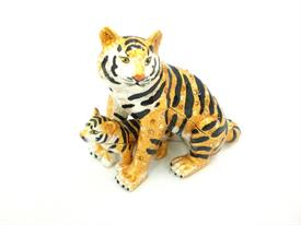 "-,1054936 JEWELED TIGER WITH CUB DOUBLE TRINKET BOX. 3"" TALL, 3.5"" LONG, 1.75"" WIDE"