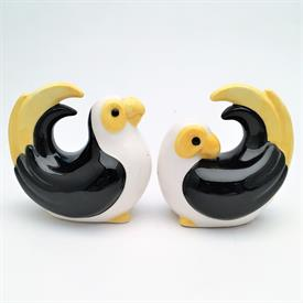 ",RARE 1981 CARIBBEAN PARROT BLACK PARROT VARIATION SALT & PEPPER SHAKER SET. 3.25"" TALL"