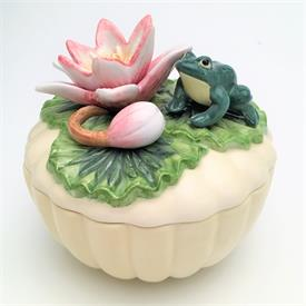 ",FROG & LILY PAD ROUND BOX WITH SURPRISE INSIDE. 4.5"" TALL, 4.5"" WIDE"