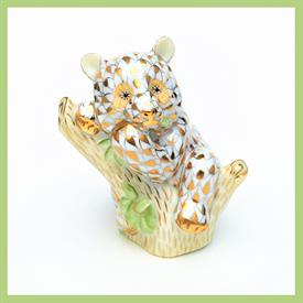 ",2002 BABY GIANT PANDA. 24 KARAT GOLD FISHNET DESIGN. 1.5""L X 3""H. MEMBERSHIP ONLY PIECE. #15672.0.00/VHOR"